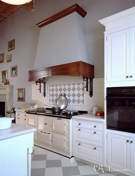 Portfolio     Vintage Northern European Kitchen   KB Associates